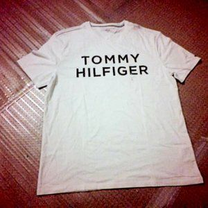 TOMMY HILFIGER Tshirt for sale